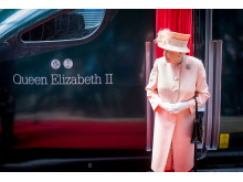 "Queen next to Hitachi Intercity Express Train named ""Queen Elizabeth II"""