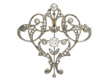 Exklusiva 20/10, Nr 117, BROSCH, platina, 5 briljant- och gammalslipade diamanter ca 1,00 ctv, ca 97 rosenslipade diamanter ca 1,00 ctv
