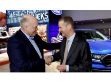 Fords VD Jim Hackett och Volkswagen-koncernens VD Herbert Diess