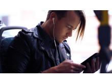 Fler väljer att betala med mobilen i Halland