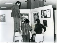 Installering av The International Art Exhibition for Palestine, 1978, Beirut