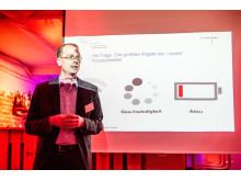 """""""Der Trend geht langsam aber deutlich auch in Deutschland in Richtung Mobile Payment."""" Dr. Ernst Stahl von ibi research beim 17. CeeClub am 21. Januar in Frankfurt"""