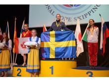 Lovisa Gustafsson vann VM-guld i tripplar