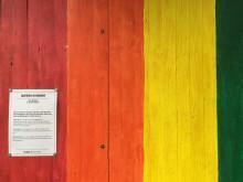 Det vandaliserade verket Queera kvinnor av Lisa Løfgren