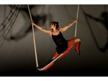 Die spanische Schwungseil-Akrobatin Marilén Ribot