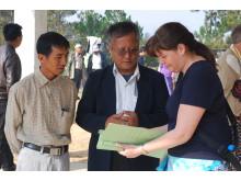Malin Prenkert undersöker hälsa och näringstillstånd hos barn i Burma.