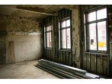 Sanierungsmaßnahmen im Inneren eines Objekts, wie eine Innendämmung und ähnliches retten ein Gebäude nicht selten vor dem Abriss.