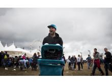 Marteria auf Becherjagd auf dem Southside Festival 2015