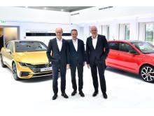 Arno Antlitz, Herbert Diess och Jürgen Stackmann är nöjda med strategin Transform 2025+..