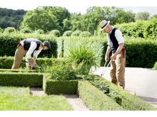 trädgårdsarbete i Gunnebo södra formella trädgård