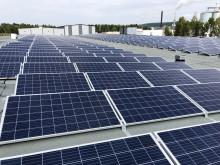 Låglutande infästningssystem för solpaneler