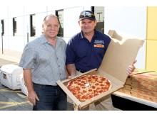 DHL Express och Pizzas 4 Patriots levererade 30 000 pizzor