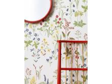 Mönstret Flora, en del av kollektionen Linnea. Närbild.