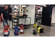 Thomas Bergersen med utstyr Kuben