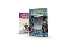 """""""Snack Parrows intergalaktiska rymdbyrå: Nödrop från yttre rymden"""" är den andra boken i serien om Snack och hans vänner. Första boken """"Snack Parrows intergalaktiska rymdbyrå för underliga mysterier och piratbestyr"""" ses i bakgrunden."""