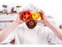 Matlagning är fortsatt populärt på Medborgarskolan och det finns många matlagningskurser att välja mellan bland vårterminens 7 000 kurser.
