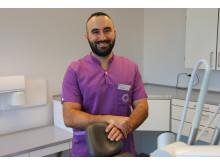 George, tandläkare