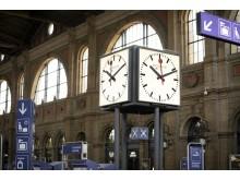 Bahnhofsuhr Im Zuercher Hauptbahnhof