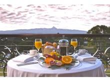 Fairmont Hotels & Resorts > KEN Mount Kenya Safari Club > Balcony Breakfast