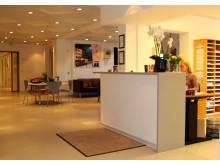 Reception og venteværelse på PrivatHospitalet Danmark i Charlottenlund