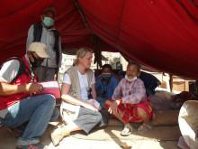Jordbävningsdrabbade i Nepal behöver tak över huvudet