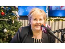 Erna Solberg gjsteprogramleder på Julekanalen p7 Klem