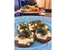Färskost med quinoa och krasse