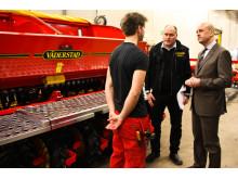 Fredrik Reinfeldt besöker Väderstad-Verken