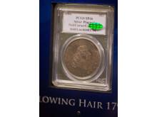 Maailman kallein raha - Flowing hair -dollari vuodelta 1794