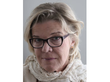 "Katinka Bille har själv spelat in sin debutroman ""Diktaren"""