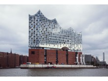 Endelig står Hamburgs nye koncerthus, Elphilharmonie, færdig