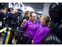 Butikschef Salming Concept Store Julie Nilsson här med Sara Homgren