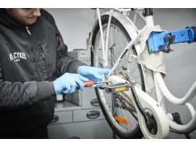 Cykelservicefirmaet Ren Cykel sørgede for, at de besøgende ved Lidls nye butik kunne cykle hjem med et smil på læben, samt rene og velsmurte cykler med opstrammede kæder og nypumpede hjul.