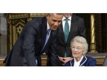 Nina Lagergren med Barack Obama
