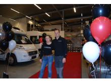 Platsansvarig Petra Olsson tillsammans med Stephan Emneryd inför invigning