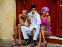 Gadebilledet i Havana er præget af cubanernes livsglæde – og smag for en god cigar…
