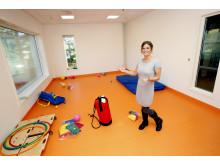 Glade farger på veggene i Mellombølgen barnehage
