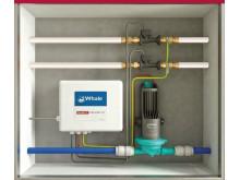 SANFTLÄUFER Pumpeninstallation hinter einer Revisionöffnung