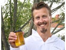 Paul Svensson med egen honung