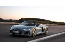 Audi R8 Spyder (Kemora gray metallic) dynamisk billede