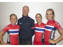 Carl Erik Pedersen sammen med Emilie, Cecilie og Miriam