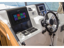 High res image - Raymarine - upgrade from e12 to Axiom 12