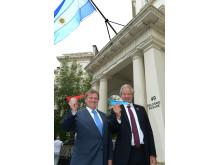 The UK Ambassador of Argentine, Carlos Sersale di Cerisano and Norwegian's CEO Bjørn Kjos