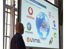 CreaLog-Geschäftsführer Michael Kloos ist zu Recht stolz: 25 Jahre Innovation aus München - mit Telko-Kunden in bereits 11 Ländern Europas und Afrikas