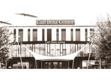 Vom 19. bis 20. Januar 2019 findet in der Carl Benz Arena in Stuttgart das YEZ Yoga Festival statt.