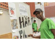 Ungdomar skapar konst i Rinkeby