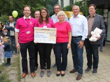 Siemens-Niederlassung in Leipzig übergit 10.000 Euro-Spende zum Tag der offenen Tür im Kinderhospiz
