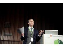 Niklas Svensson, biträdande stadsbyggnadsdirektör Stockholms stad, berättade om planerna för Stockholms stadsutveckling och förtätning genom översiktsplanen Promenadstaden.
