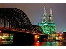 Köln med Kölnerdomen og Hohenzollernbro