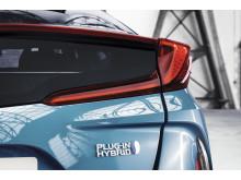 2016-toyota-prius-plug-in-hybrid-06